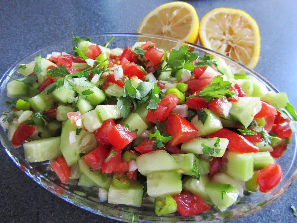 http://kwekerijnoordoost.nl/wp-content/uploads/2014/05/komkommer-tomaat-salade-1030x773.jpg